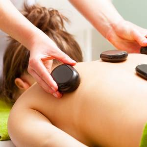 Hot Stone Massage 90 Minutes